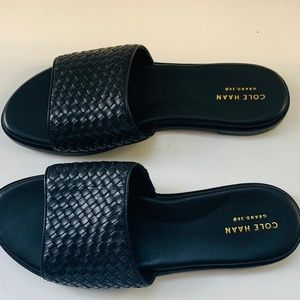 NWT! COLE HAAN Woven Black Analise Sandals 8.5